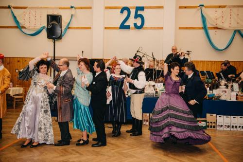 Divadelni-bal-25- 036-1200