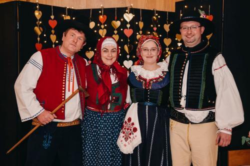 Divadelni-bal-25- 043-1200