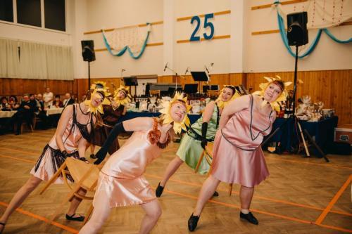Divadelni-bal-25- 049-1200